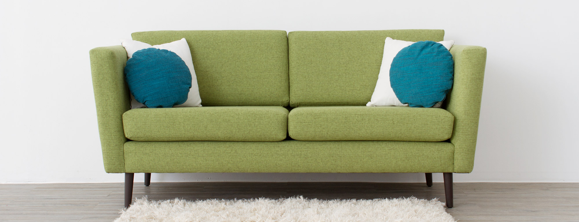 hero-deluna-loveseat-6